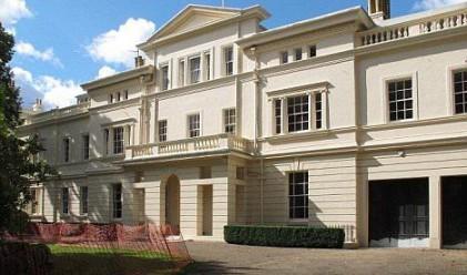 Абрамович си купи къща на най-скъпата улица на Острова