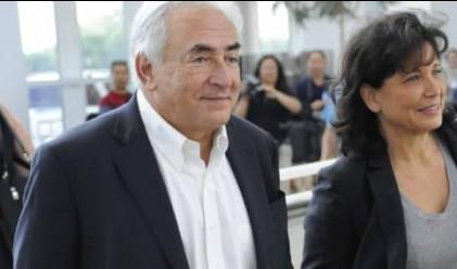 Строс-Кан на прощална обиколка в централата на МВФ