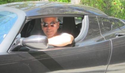 Джордж Клуни продава колата си на търг