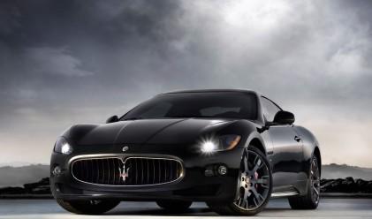 Крадци задигнаха Maserati с ключа на таблото