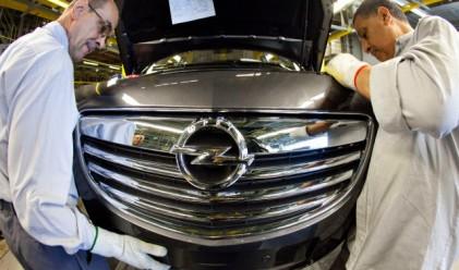 Opel въвежда съкратено работно време в основни заводи