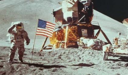 Отиде си легендарният астронавт Нийл Армстронг