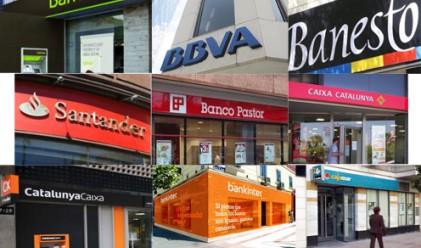 Над 74 млрд. евро са били изтеглени от испанските банки за месец