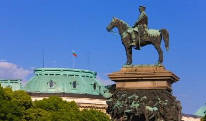 Свалят паметника на Цар Освободител за ремонт