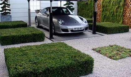 Изскачащ от земята гараж пести място (снимки и видео)
