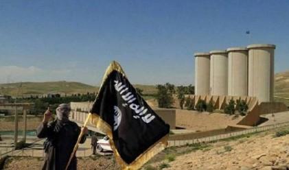 Как се финансира най-голямата терористична организация в света?