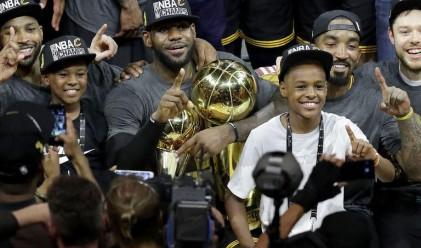 Синът на един от най-добрите баскетболисти няма телефон