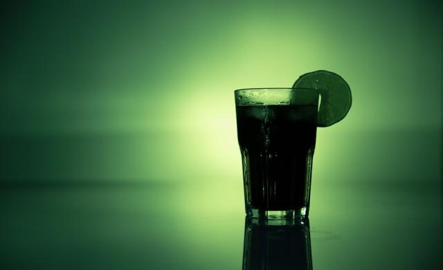 Британската кралица пие алкохол по четири пъти на ден
