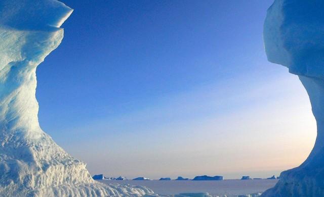 Откриха над 90 вулкана под леда на Антарктида