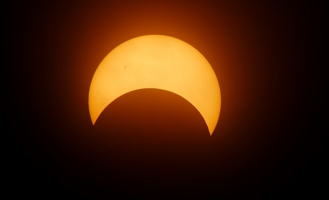 В Щатите наблюдаваха историческо пълно слънчево затъмнение
