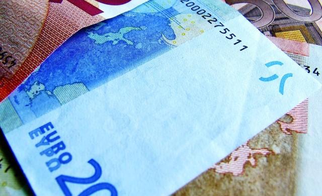 Нови най-ниски стойности на лошите и преструктурирани заеми