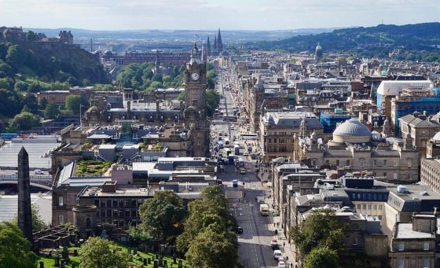 Единбург и романтиката на малките му улички
