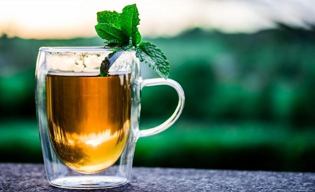 Защо британците пият толкова много чай?