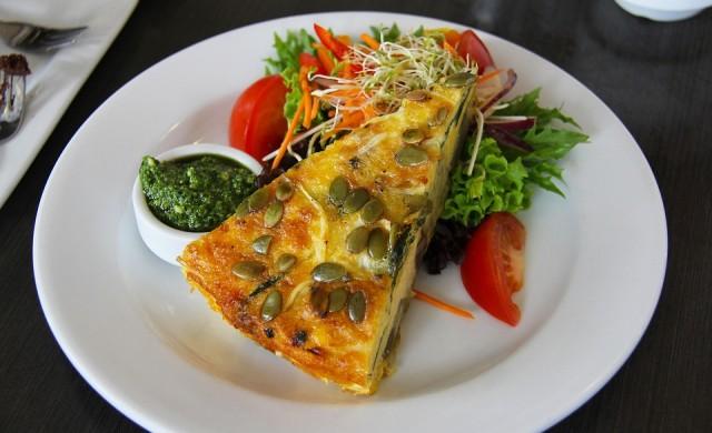 Няколко снимки на едни и същи ястия, но с различни калории
