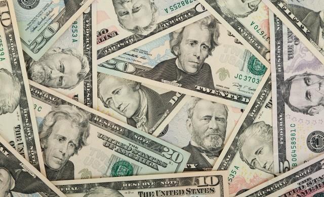 Доларът поскъпна до над 1.70 срещу лева