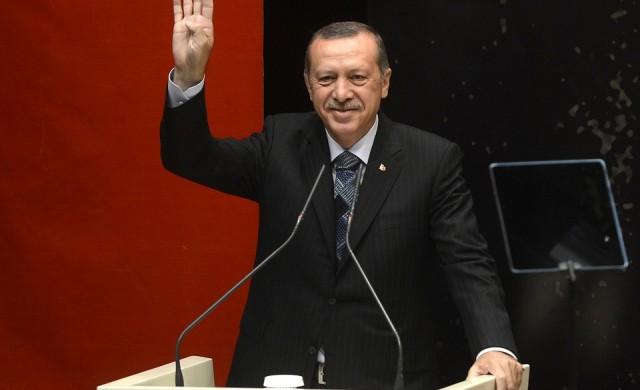 Реджеп Ердоган към турците: Те имат долари, ние имаме Господ