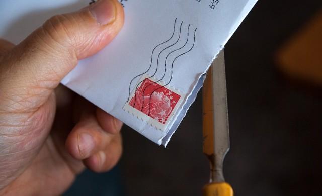 Индийски пощальон трупал писма 10 г., вместо да ги доставя