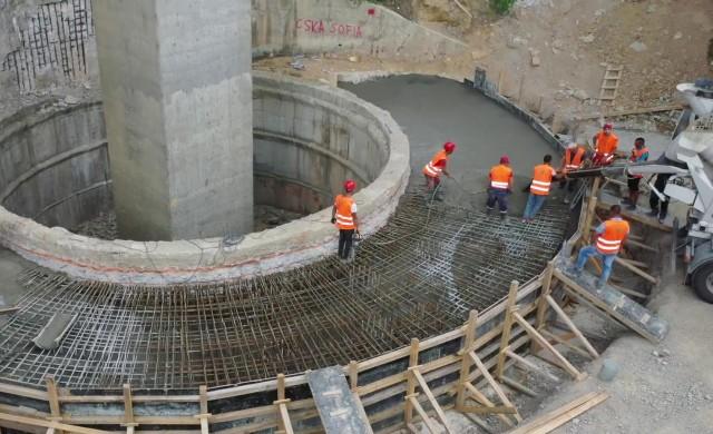 Как напредва ремонтът на съоръженията по Хемус? (снимки)