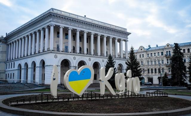 Украинци искат замяна на местната валута с щатския долар