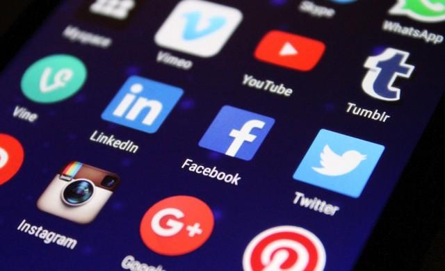 Защо технологичните компании масово пускат олекотени приложения?