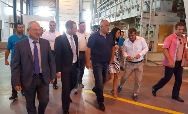 Държавата реновира пътя до завода на Тракия Глас край Търговище