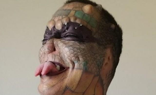 Мъж похарчи хиляди, за да се превърне в безполов дракон (снимки)