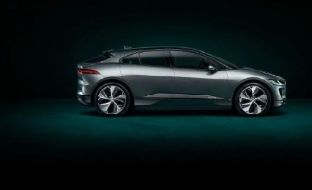 От Jaguar дават по 3000 долара на собствениците на Tesla