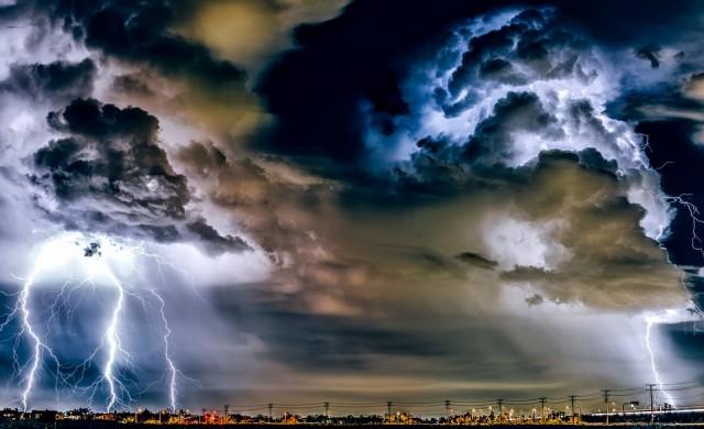 Изумителни снимки ни показват различни метеорологични явления