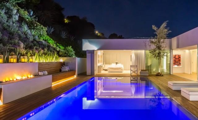 Орландо Блум продава къщата си в Бевърли Хилс
