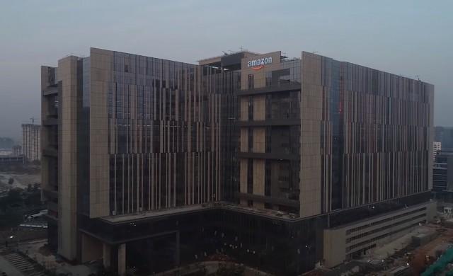 Най-голямата офис сграда на Amazon не се намира в САЩ
