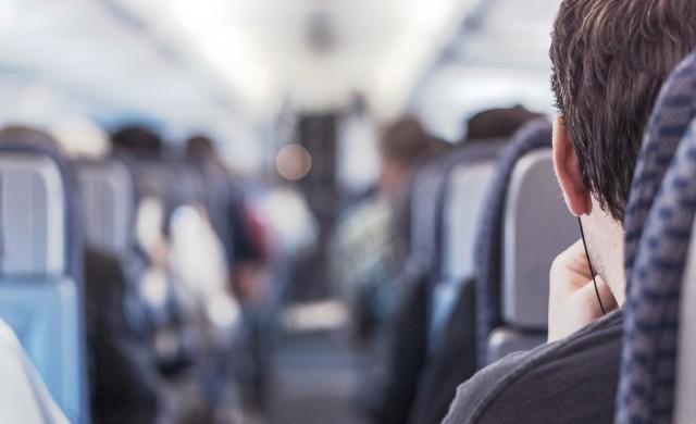 Странните неща, които се случват с тялото ни в самолета