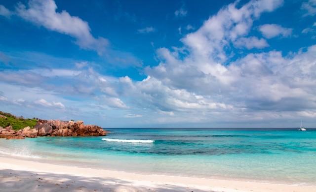 Ла Диг и още непознати острови, които предлагат по нещо за всеки