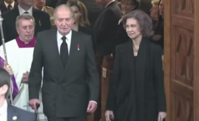 Бившият испански крал отива в изгнание заради корупция
