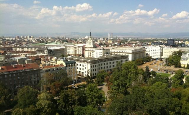 Снимки на филм затварят част от центъра на София