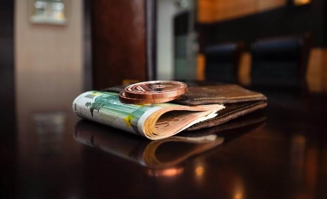 Жителите на този град всеки месец получават фалшиви пари