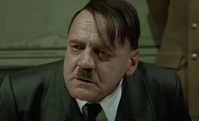 Служител, уволнен заради меме с Хитлер, спечели дело за 200 000 долара