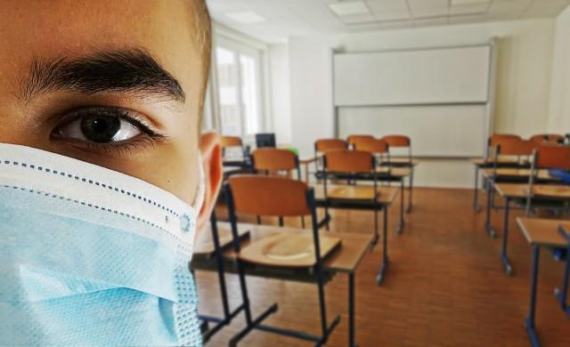 Американските училища имат нужда от две неща: учители и пари