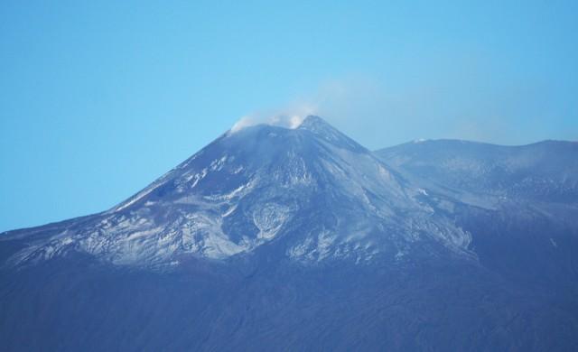 Вулканът Етна с нова активност