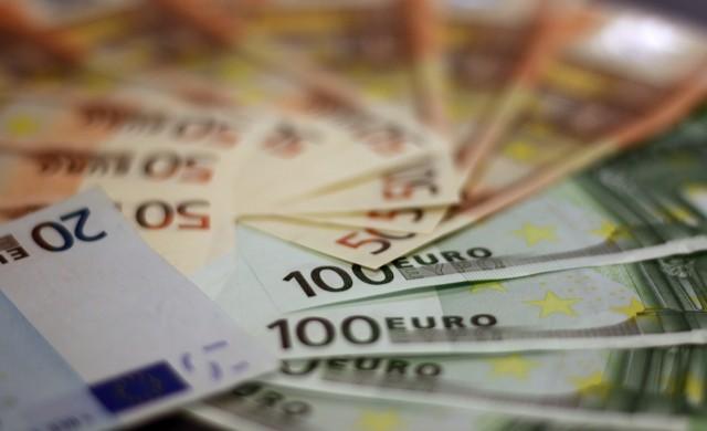 Близо 16 000 души са одобрени за безлихвени кредити, получиха 65.7 млн. лв.