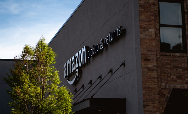 Капитализацията на Amazon падна със 130 млрд. долара