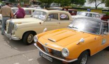 Непоказвани досега ретро автомобили на парад в Созопол