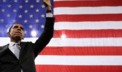 Барак Обама трупа точки, след като финансовата криза измести фокуса на кампанията
