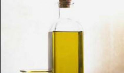 Цената на олиото продължава да пада на едро