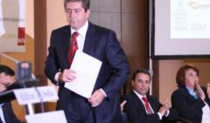 Първанов: Станишев да каже за скока на газта