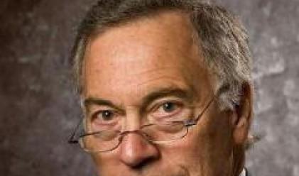 Стив Ханке: Кабинетът да не взема заем от МВФ