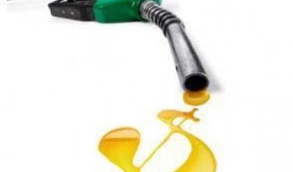 Петролът с повишение за сметка на слабия долар