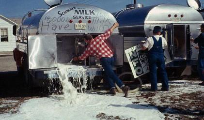Протестиращи фермери изляха 3 млн. литра мляко във Франция