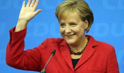 Меркел остава начело на Германия