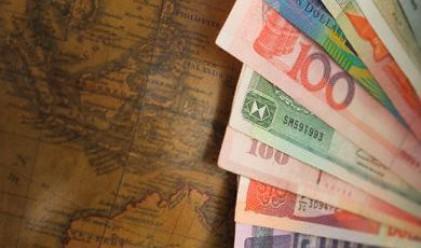 Слабият превес на лихвоносните валути остава на пазара
