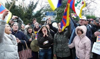 Европейските протести срещу икономиите се провалиха